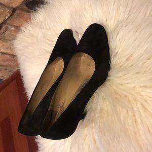 Black pump swead shoe